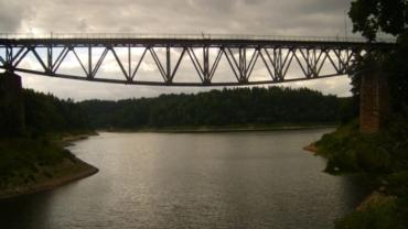 Wysadzenie zabytkowego mostu